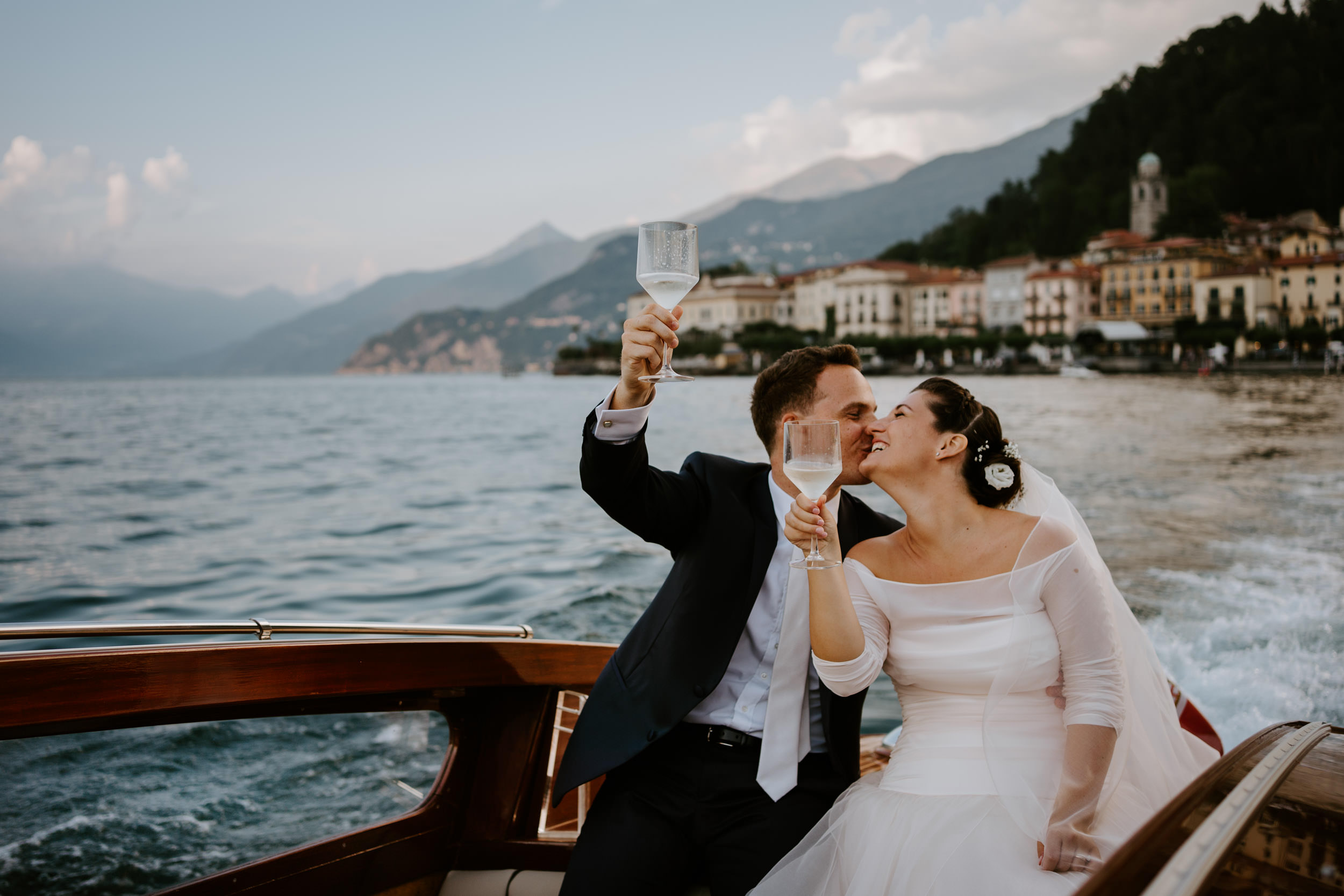 0042-Lake como destination wedding